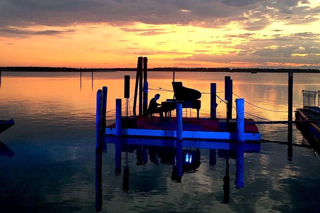 lago_tramonto_paolo_zanarella_paolozanarella_pianista_fuoriposto_fortemovie_musica_piano_classica